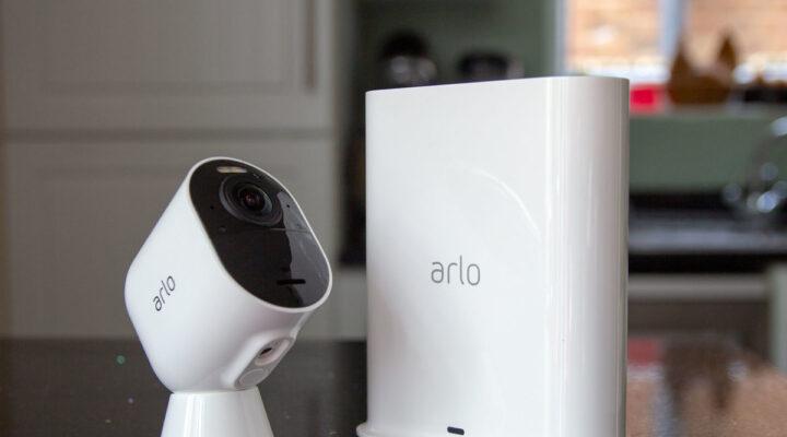 Arlo Ultra vs Arlo Ultra 2: Hangi 4K Güvenlik Kamerası Sizin İçin Uygun?